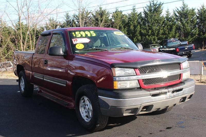2004 Chevrolet Silverado 1500 for sale at Harbor Auto Sales in Hyannis MA
