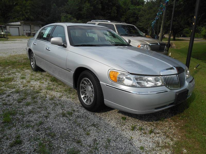 2002 Lincoln Town Car Signature 4dr Sedan In Marion Al Hugh S Used