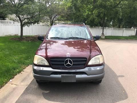 ... 1999 Mercedes Benz M Class