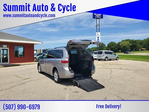 2018 Toyota Sienna for sale in Zumbrota, MN