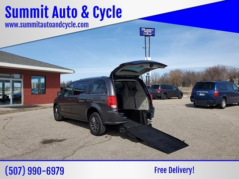 2017 Dodge Grand Caravan SXT for sale at Summit Auto & Cycle in Zumbrota MN