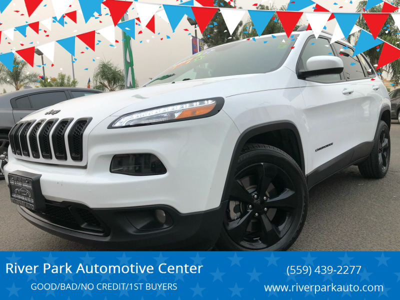 2018 Jeep Cherokee for sale at River Park Automotive Center in Fresno CA