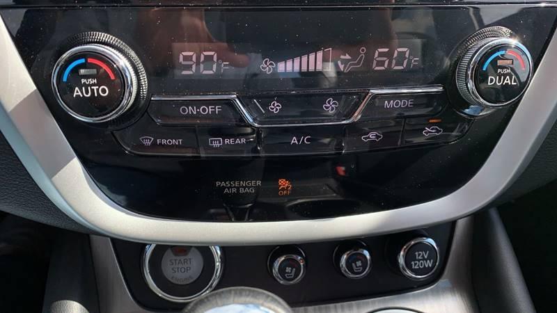 2016 Nissan Murano Platinum (image 24)