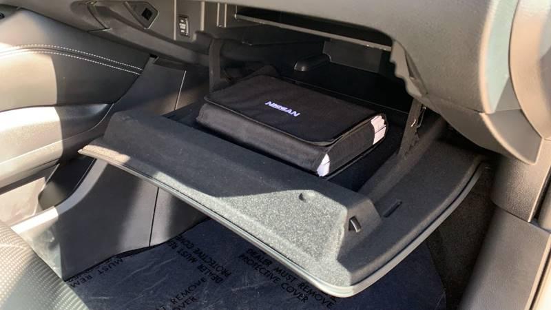 2016 Nissan Murano Platinum (image 33)