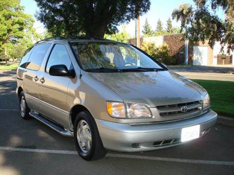2000 Toyota Sienna for sale at Mr Carz Auto Sales in Sacramento CA