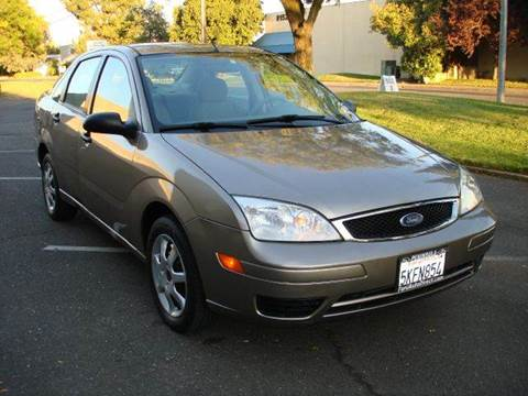 2005 Ford Focus for sale at Mr Carz Auto Sales in Sacramento CA