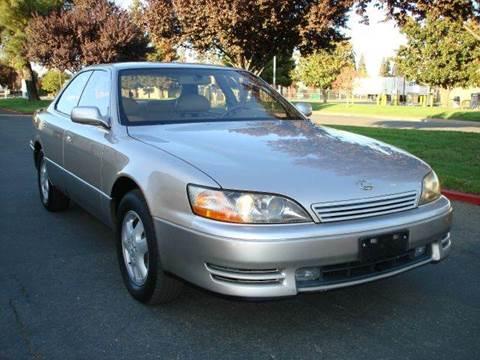 1995 Lexus ES 300 for sale at Mr Carz Auto Sales in Sacramento CA
