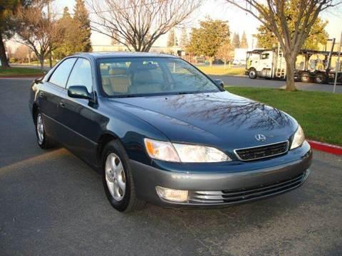 1997 Lexus ES 300 for sale at Mr Carz Auto Sales in Sacramento CA