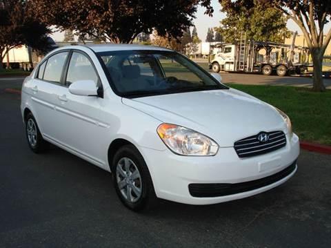 2009 Hyundai Accent for sale at Mr Carz Auto Sales in Sacramento CA