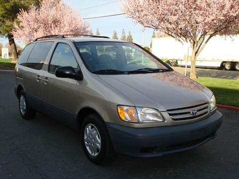2001 Toyota Sienna for sale at Mr Carz Auto Sales in Sacramento CA