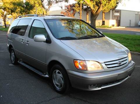 2003 Toyota Sienna for sale at Mr Carz Auto Sales in Sacramento CA