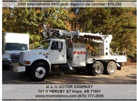 2000 International 4900  Digger Derrick/Pole