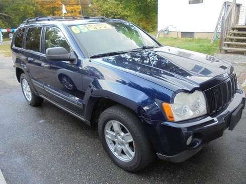 2005 Jeep Grand Cherokee for sale at NICOLES AUTO SALES LLC in Cream Ridge NJ