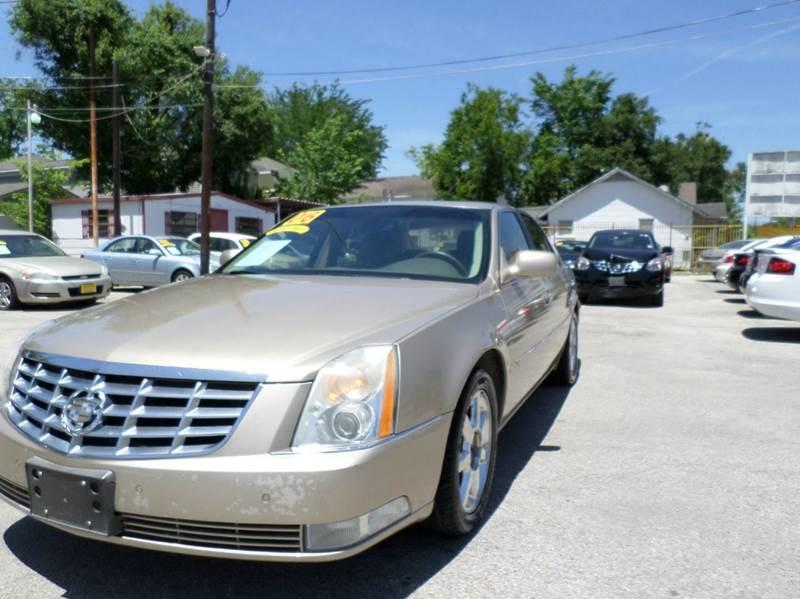 2006 Cadillac DTS for sale at David Morgin Credit in Houston TX