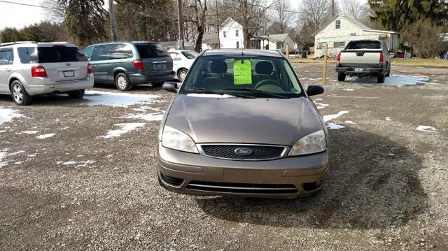 2005 Ford Focus for sale at Simon Automotive in East Palestine OH