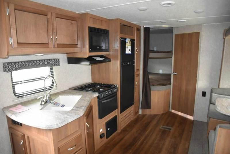 2018 Coachmen Catalina for sale at Vehicle Network, LLC - S & M Wheelestate Sales Inc in Princeton NC