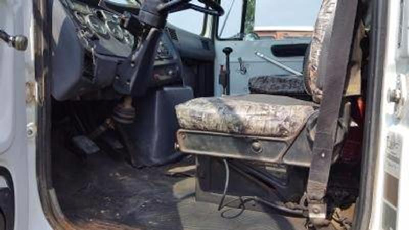 1990 Ford L8000 for sale at Vehicle Network, LLC - Down Home Truck and Equipment in Warsaw VA