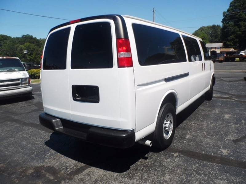 2015 CHEVROLET G3500  for sale at Vehicle Network, LLC - The Truck Connection in Albemarle NC