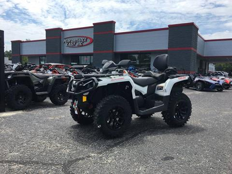 2017 Can-Am Outlander MAX XT 650 for sale at Vehicle Network, LLC - Performance East, INC. in Goldsboro NC