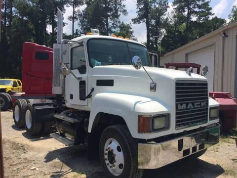 2004 Mack CH613 for sale at Vehicle Network - Davenport, Inc. in Plymouth NC