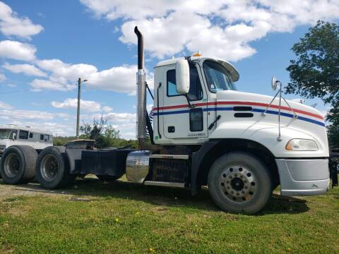 2012 Mack Pinnacle for sale at Vehicle Network - Down Home Truck and Equipment in Warsaw VA
