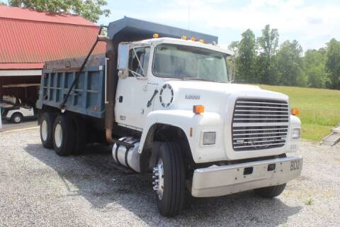 1994 Ford LT9000 for sale at Vehicle Network - Joe's Tractor Sales in Thomasville NC