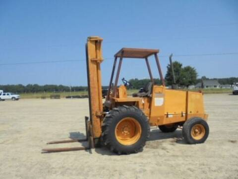 1990 Case IH  586 E for sale at Vehicle Network - Dick Smith Equipment in Goldsboro NC
