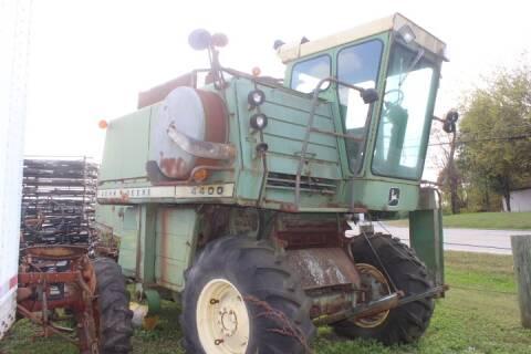 John Deere 4400 for sale at Vehicle Network - Joe's Tractor Sales in Thomasville NC
