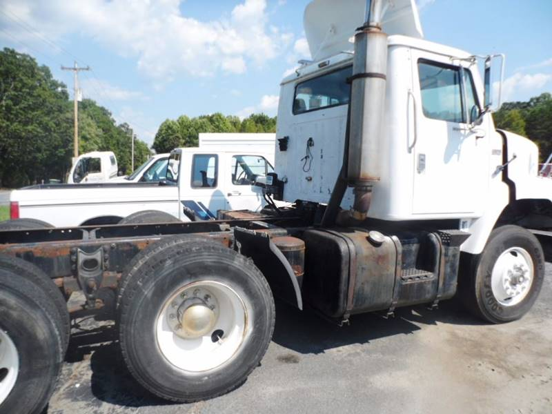 1985 International S2200 for sale at Vehicle Network, LLC - The Truck Connection in Albemarle NC