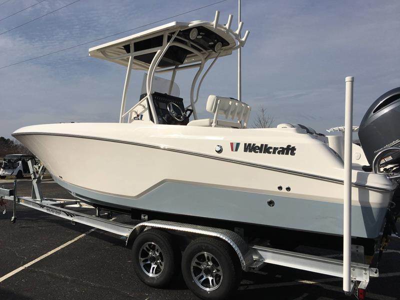 2017 Wellcraft 242 FISHERMAN for sale at Vehicle Network, LLC - Performance East, INC. in Goldsboro NC