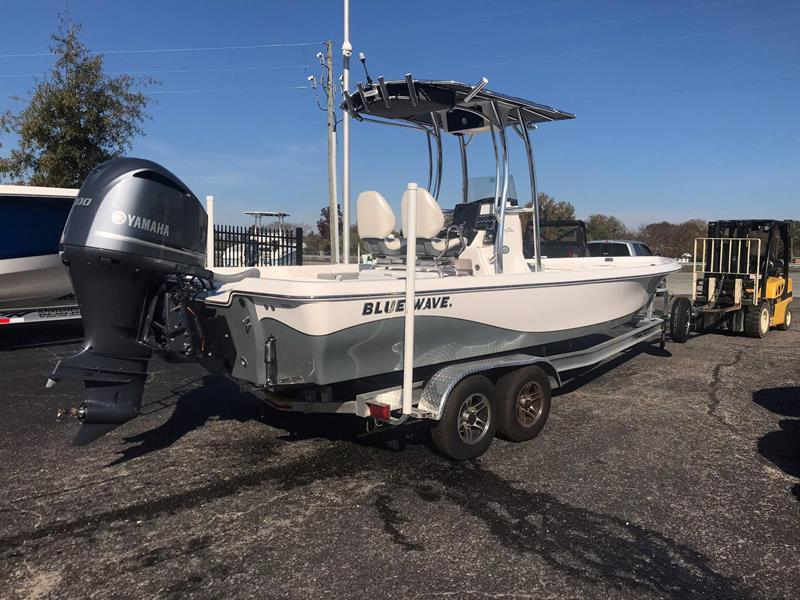 2017 Blue Wave 2400 PURE BAY for sale at Vehicle Network, LLC - Performance East, INC. in Goldsboro NC