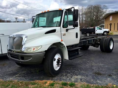 2007 International 4300 for sale at Vehicle Network, LLC - The Truck Connection in Albemarle NC