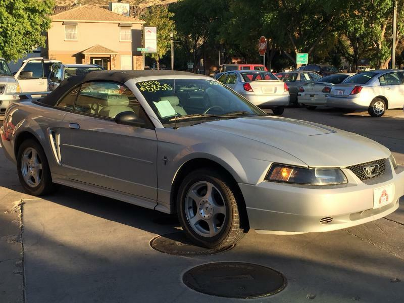 2003 Ford Mustang Deluxe 2dr Convertible - Hurricane UT
