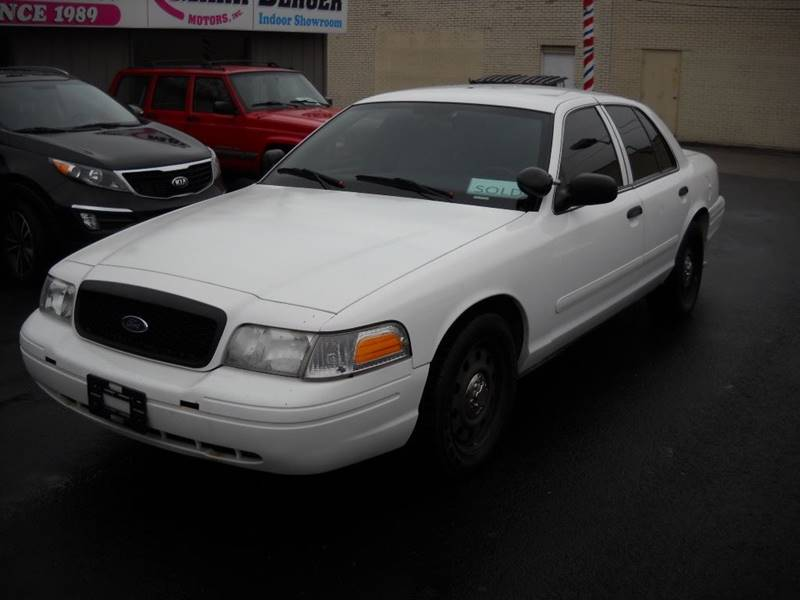 2008 Ford Crown Victoria for sale at Mark Berger Motors Inc in Rockford IL