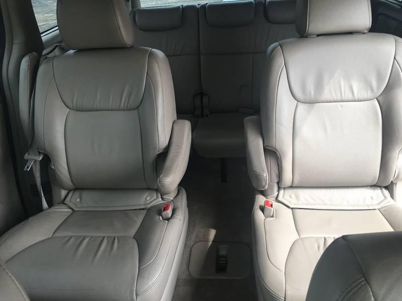 2009 Toyota Sienna AWD XLE 7-Passenger 4dr Mini-Van - Kenosha WI