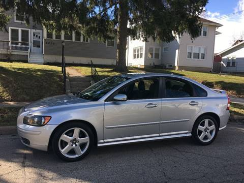 2005 Volvo S40 for sale at Petite Auto Sales in Kenosha WI