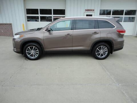 2019 Toyota Highlander for sale at Quality Motors Inc in Vermillion SD
