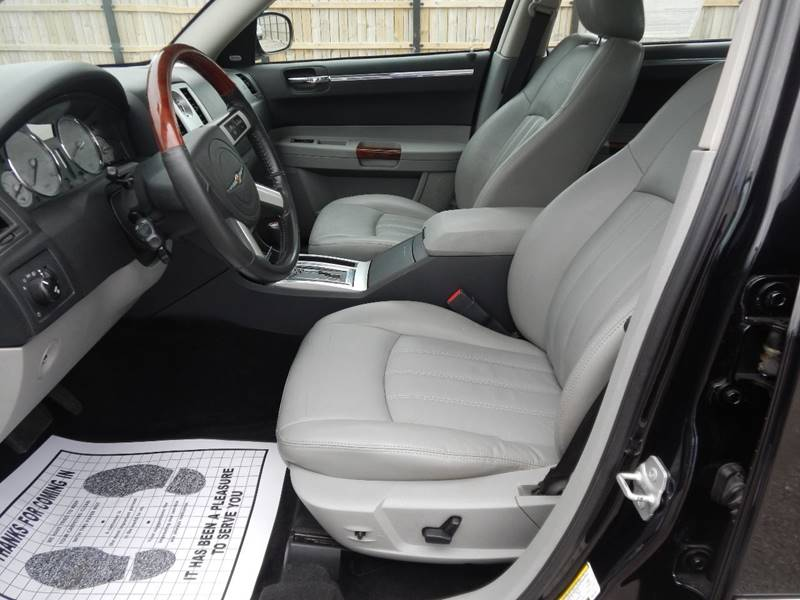 2007 Chrysler 300 for sale at Moto Zone Inc in Melrose Park IL