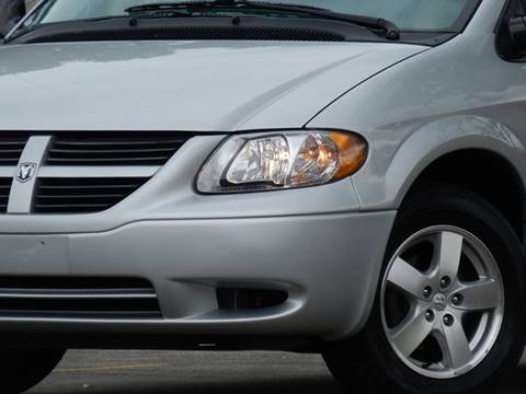 2005 Dodge Caravan for sale at Moto Zone Inc in Melrose Park IL