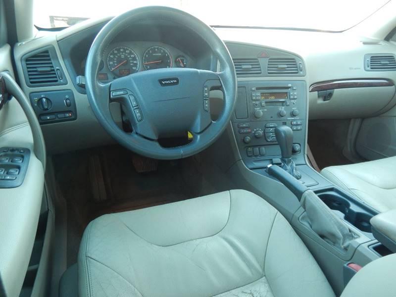 2002 Volvo V70 for sale at Moto Zone Inc in Melrose Park IL