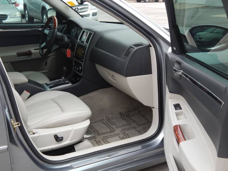 2006 Chrysler 300 for sale at Moto Zone Inc in Melrose Park IL