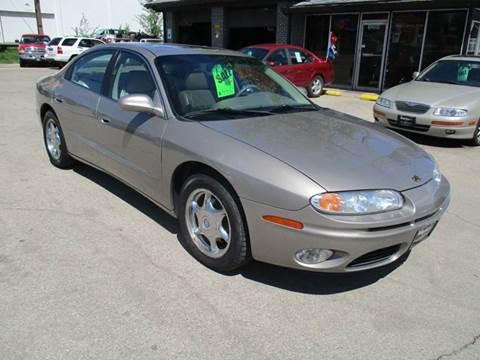 2001 Oldsmobile Aurora for sale in Marion, IA