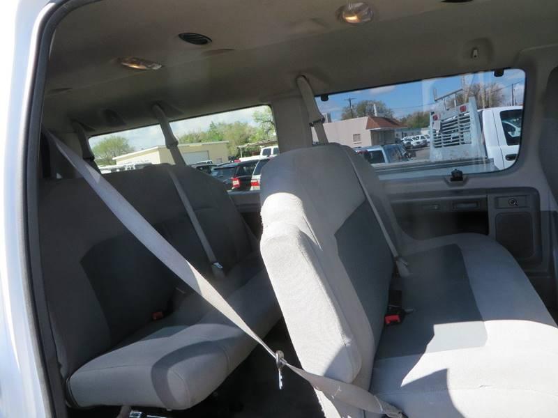 2014 Ford E-Series Wagon E-350 SD XLT 3dr Passenger Van In