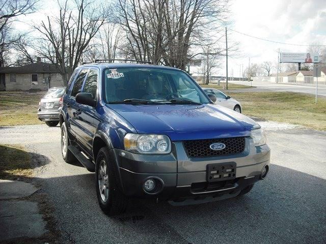 2005 Ford Escape XLT (image 2)
