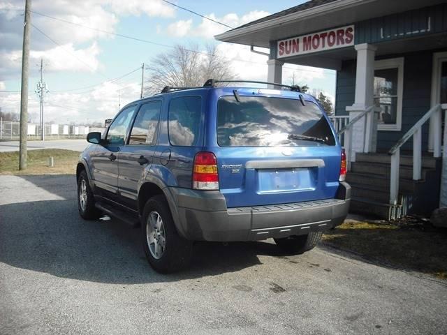 2005 Ford Escape XLT (image 4)