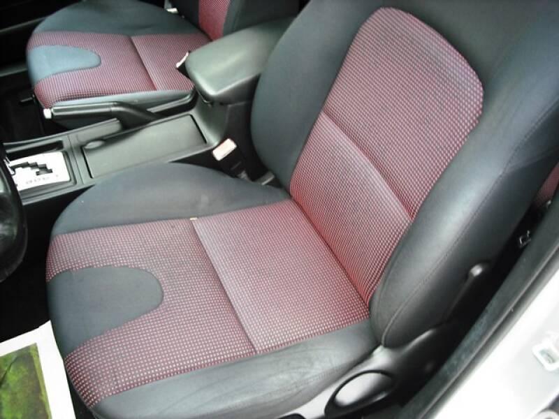 2004 Mazda MAZDA3 s (image 8)