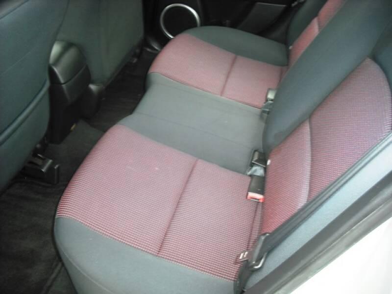 2004 Mazda MAZDA3 s (image 9)