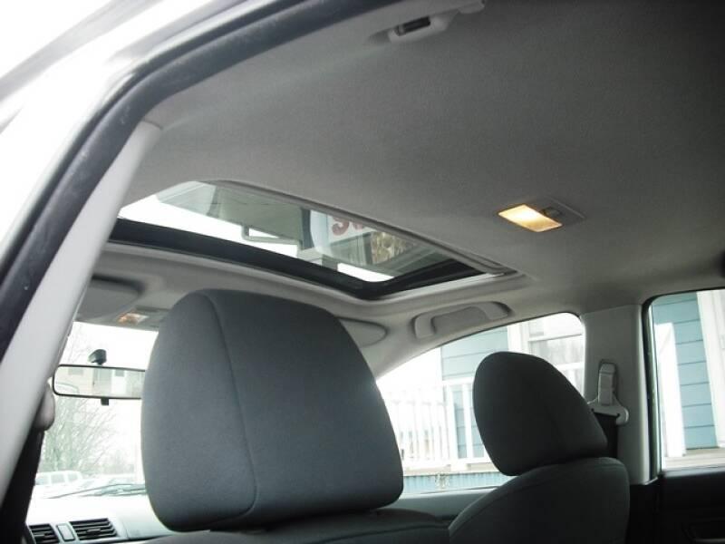 2004 Mazda MAZDA3 s (image 10)