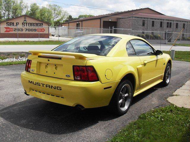 2001 Ford Mustang GT Deluxe 2dr Coupe - Indianapolis IN