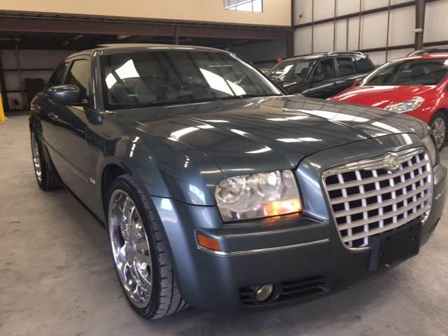 2005 chrysler 300 touring 4dr sedan in houston tx area 5 auto sales. Black Bedroom Furniture Sets. Home Design Ideas